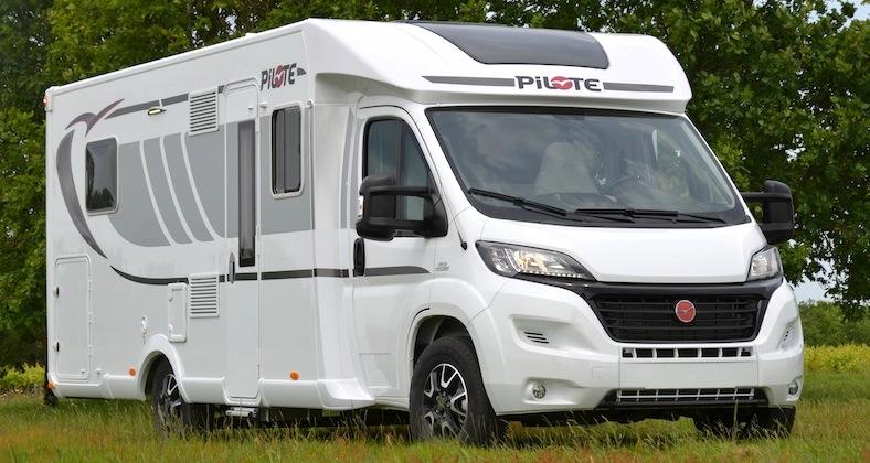 camping cars pilote sous un nouveau jour camping car le site. Black Bedroom Furniture Sets. Home Design Ideas