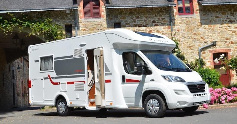 autostar monte en gamme camping car le site. Black Bedroom Furniture Sets. Home Design Ideas