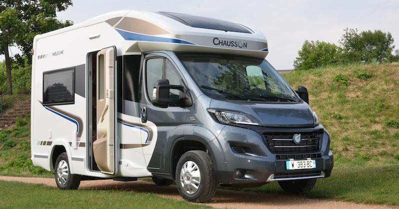 chausson welcome 500 un clin d 39 oeil au pass camping car le site. Black Bedroom Furniture Sets. Home Design Ideas