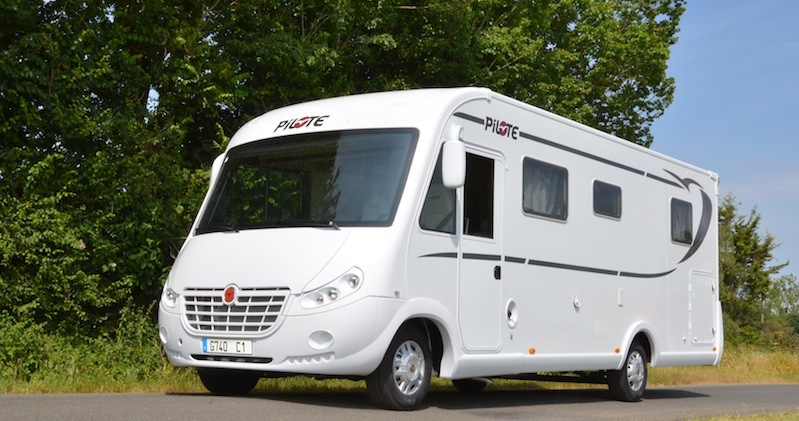 essai camping car pilote g740 c essentiel camping car le site. Black Bedroom Furniture Sets. Home Design Ideas