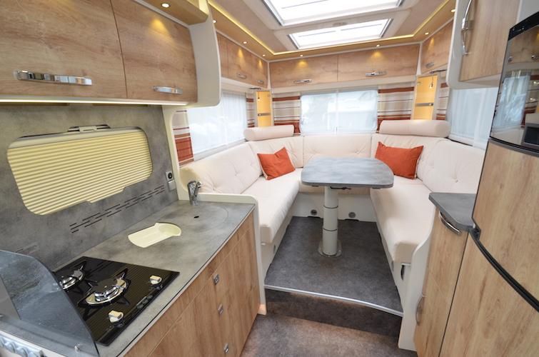 frankia 2017 plus malin et moderne camping car le site. Black Bedroom Furniture Sets. Home Design Ideas