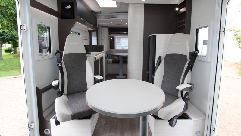 Chausson 611 Welcome Travel-Line 00