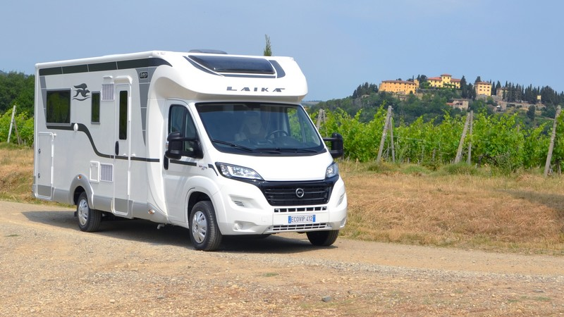 cinq petits camping cars profil s pour tout transporter camping car le site. Black Bedroom Furniture Sets. Home Design Ideas