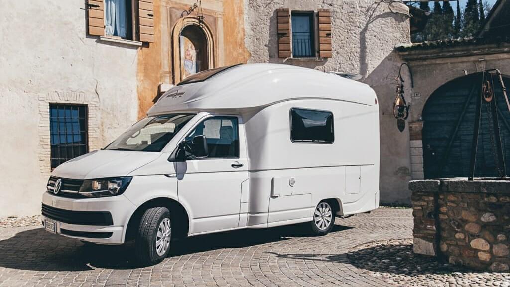 pourquoi pas un petit camping car plut t qu 39 un fourgon camping car le site. Black Bedroom Furniture Sets. Home Design Ideas